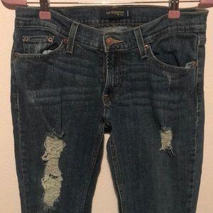 Distressed Levi's too Super Low 524 Juniors jeans
